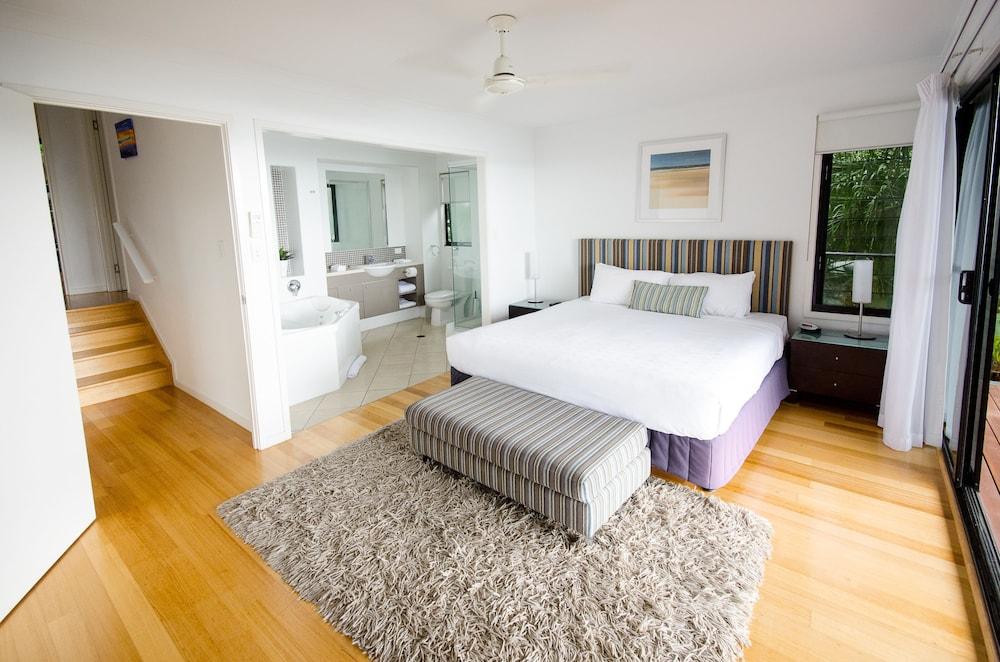 https://i.travelapi.com/hotels/11000000/10510000/10503900/10503832/5a6caca2_z.jpg