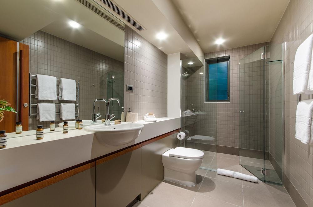 https://i.travelapi.com/hotels/11000000/10510000/10503900/10503832/6973e320_z.jpg