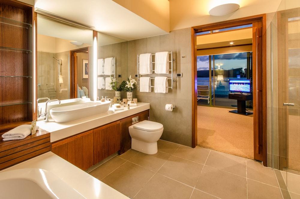 https://i.travelapi.com/hotels/11000000/10510000/10503900/10503832/70efb21e_z.jpg