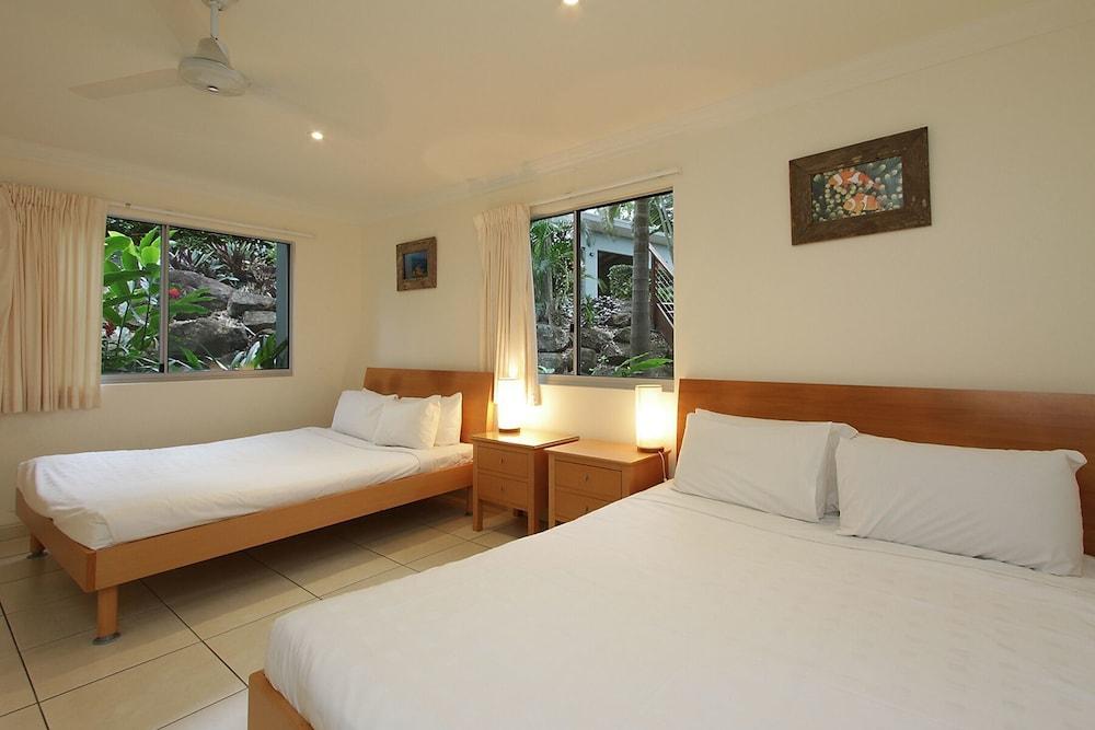 https://i.travelapi.com/hotels/11000000/10510000/10503900/10503832/756913e0_z.jpg