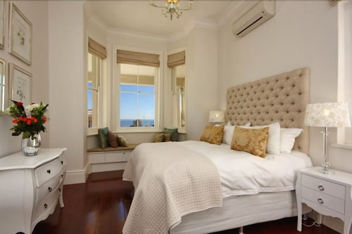 Six Selbourne, City of Cape Town