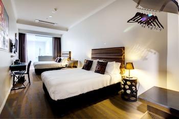 Deluxe Twin Room, 2 Queen Beds, Accessible