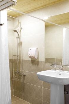 Jeonju YeongHwa Hotel - Bathroom  - #0