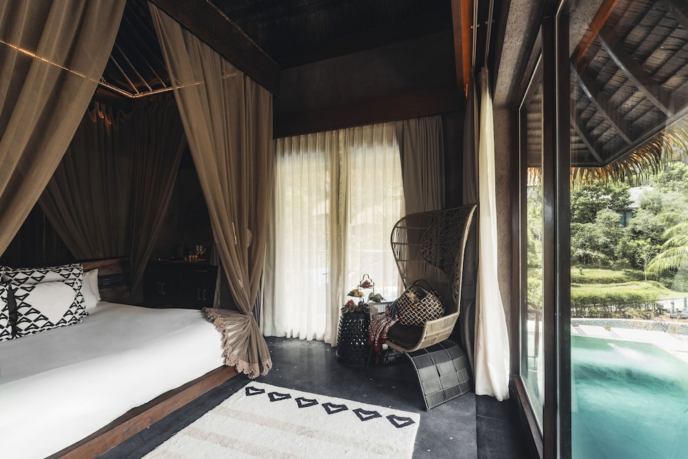 https://i.travelapi.com/hotels/11000000/10510000/10507400/10507369/b0deab32_z.jpg