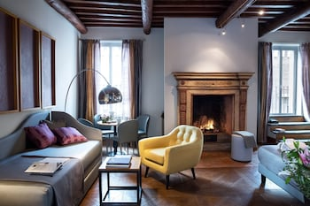 Hotel - Grand Master Suites
