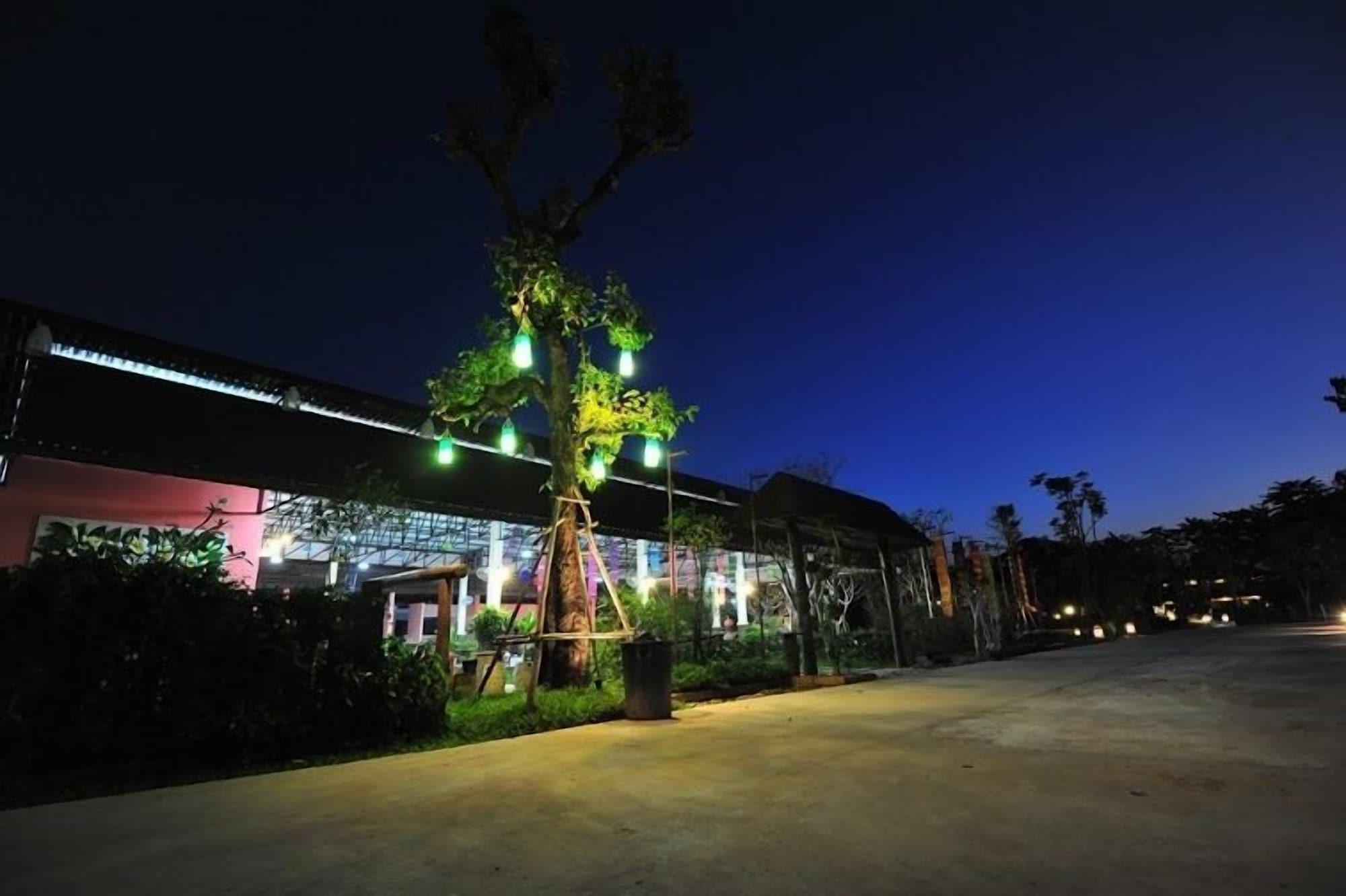 Park & Pool Resort, Muang Nong Khai