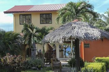 Isla Hayahay Beach Resort and Restaurant - Featured Image  - #0