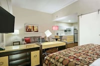 Studio Suite, 1 King Bed with Sofa bed, Non Smoking