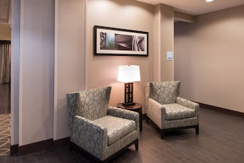 Holiday Inn Express & Suites Bakersfield Airport - Hallway  - #0