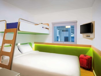 Room, Multiple Beds (Cocoon)
