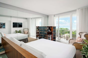 Room, 1 King Bed, Balcony, Oceanfront (Balcony)