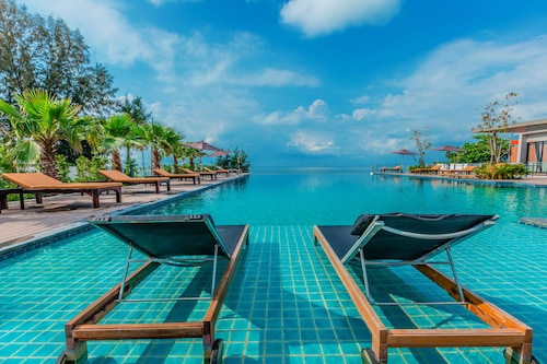 . Sand Dunes Chaolao Beach Resort