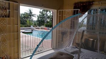 Exclusive Villa, 4 Bedrooms, Pool Access, Sea View