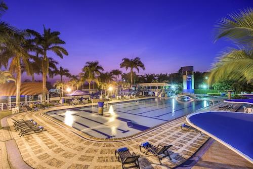 . Hotel y Centro Vacacional Sunrise