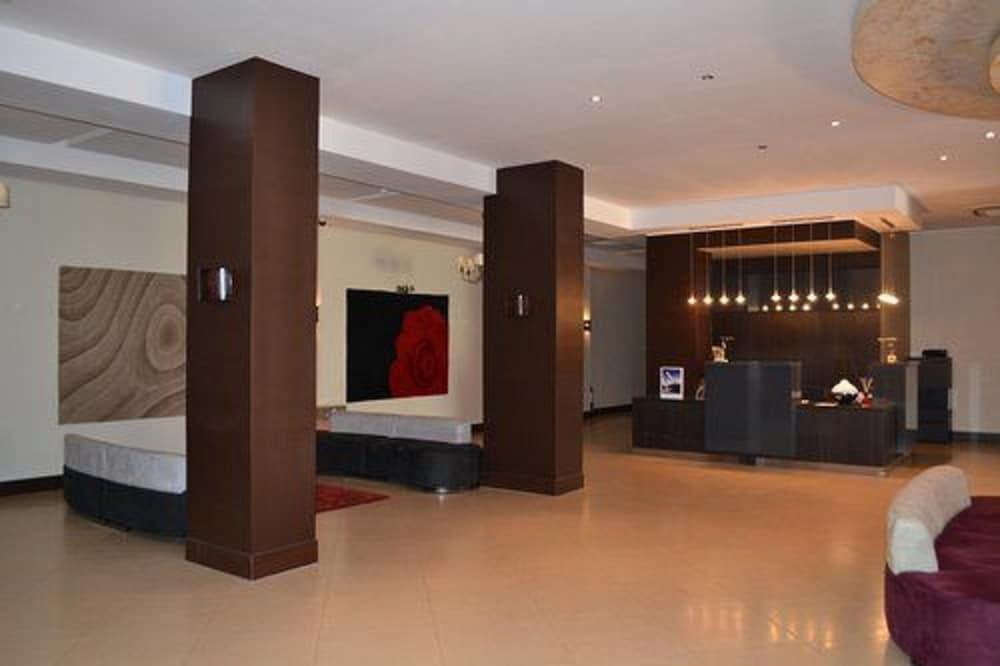 Jardy Hôtel & Suites