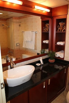 Pan Horizon Executive Residences - Bathroom  - #0