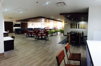 Holiday Inn Express & Suites Toronto Airport West - Breakfast Area  - #0