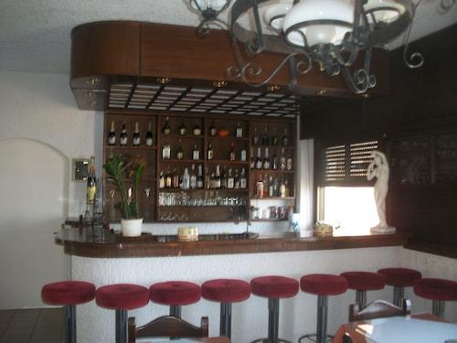Efi Hotel, Crete