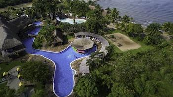 Hotel - Amatique Bay Hotel