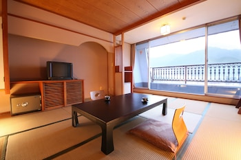 Traditional Twin Room, Lake View