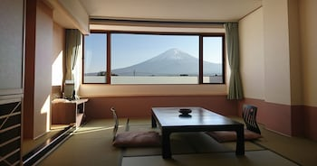 Traditional Room with Shower, Mountain View