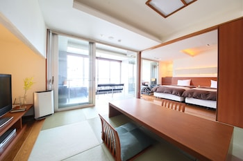 Traditional Suite, Lake View