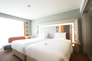 Novotel Hotel Araneta Center Guestroom