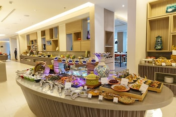 Novotel Hotel Araneta Center Buffet
