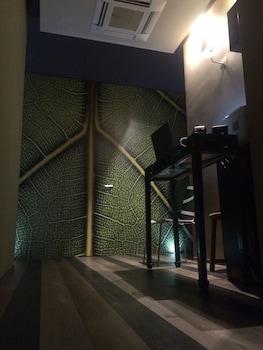Serendipity Rooms - Interior Entrance  - #0