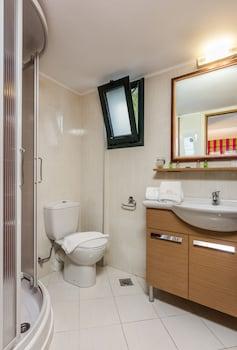 Pilot's Villas Luxury Suites - Bathroom  - #0