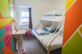 Private Twin Dorm (Ensuite)