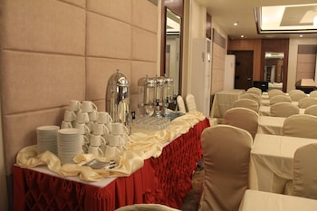Savannah Resort Hotel Pampanga Meeting Facility