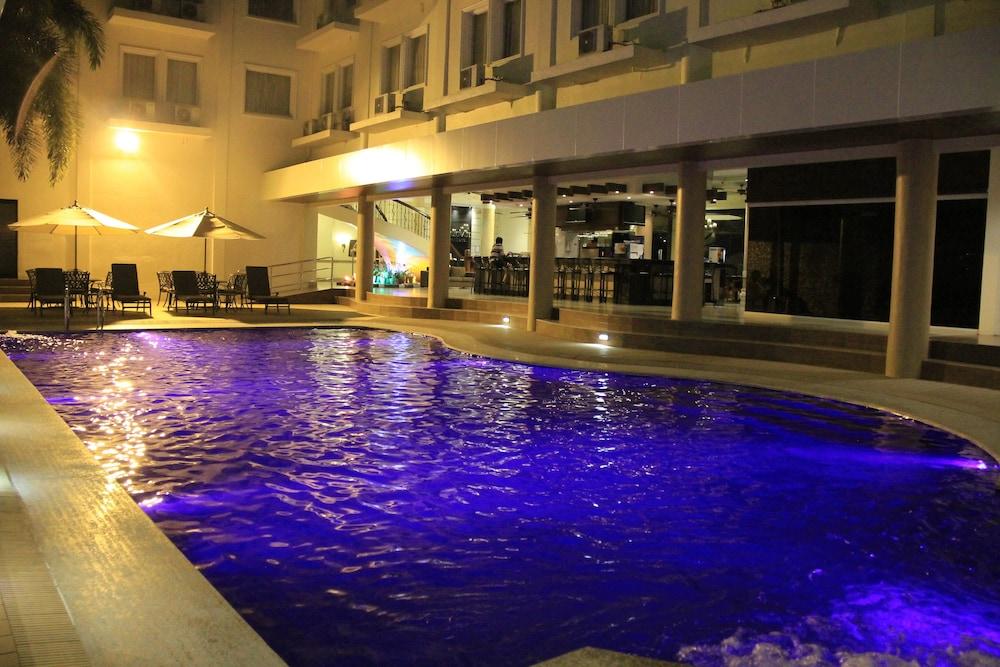 サバンナ リゾート ホテル