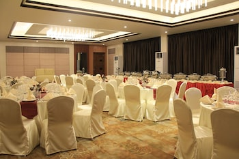 Savannah Resort Hotel Pampanga Banquet Hall