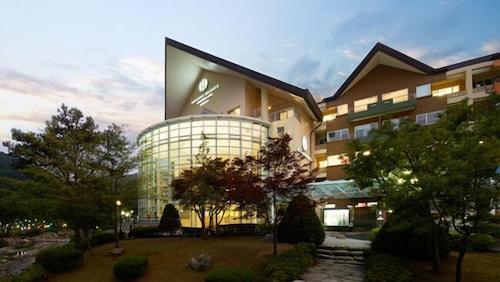 . Hanwha Resorts Sanjeong Lake Annecy