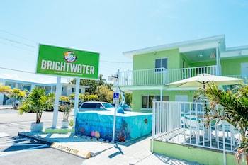克利爾沃特海灘布賴特沃特套房 Brightwater Suites on Clearwater Beach