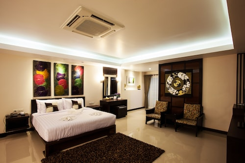 . Nantrungjai Boutique Hotel
