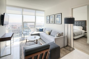 Executive Suite, 2 Twin Beds, City View (Two Bedroom Executive Suite)