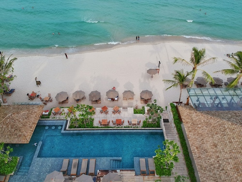 . Banana Fan Sea Resort