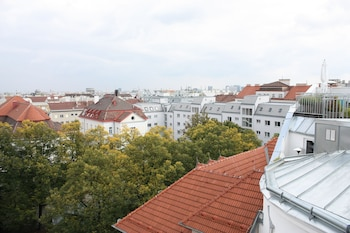 GoVienna 3BR Penthouse Apartment