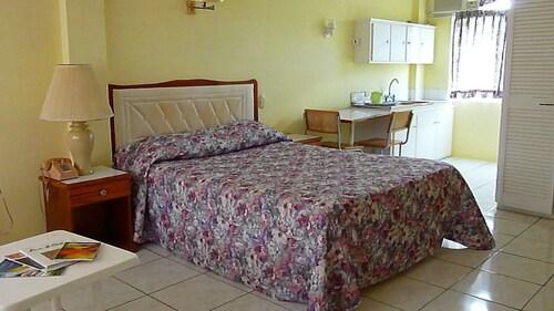 Royal Palm Suite Hotel,