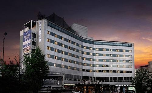 Seul - ITAEWON CROWN HOTEL - ze Szczecina, 29 marca 2021, 3 noce