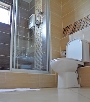 Norfolk Towers Serviced Apartments - Bathroom  - #0