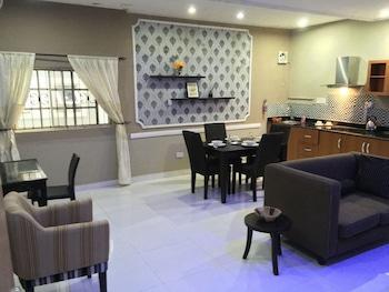 ミレニアム アパートメンツ