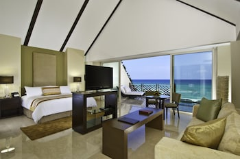 Grand Class At Grand Velas