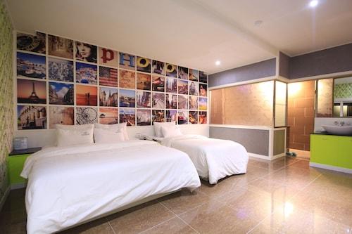 . Star Motel