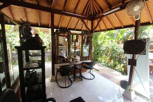 Chonos Hotel Lovina, Buleleng