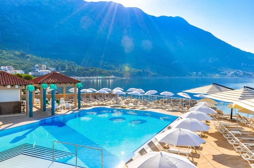 . TUI Blue Makarska - Adult Only