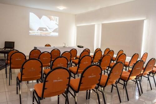 Terranova Suites, Andrés Ibáñez