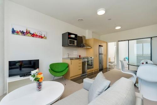 MCentral Apartments Manukau, Franklin